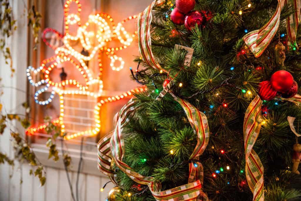 Make money this Christmas holiday side hustle earn income